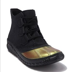 Sorel Out N About Plus Glitter Waterproof Boot 8